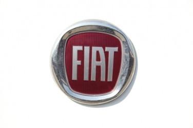 Fiat: UBS taglia il rating, Chrysler e capacità nodi da sciogliere