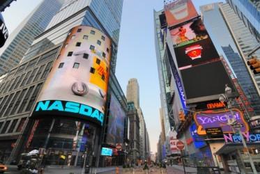 Il Dow Jones e il Nasdaq salgono leggermente a metà seduta