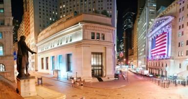 wall-street-chiude-contrastata-bene-i-bancari-ancora-male-apple