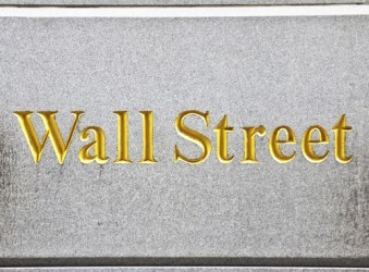 Wall Street sulla parità a metà seduta