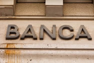 Banche: rallenta il calo dei prestiti, sofferenze +19,3% ad ottobre