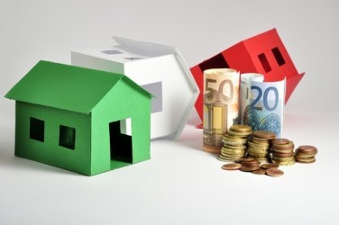 Casa: Le compravendite tornano a calare, ma crescono i mutui