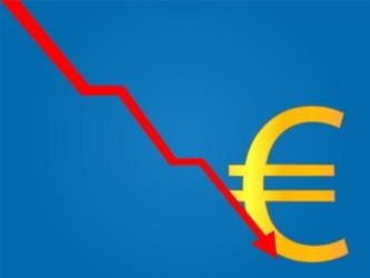 Forex: L'euro scende ancora, minimi da luglio 2012