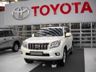 Toyota resta il leader dell'auto, ma le vendite scenderanno nel 2015