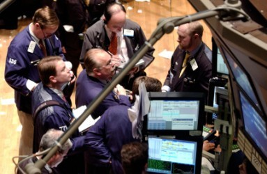 Wall Street apre in leggero ribasso, pesano utili societari