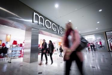 Macy's, utile in calo nel quarto trimestre, outlook prudente