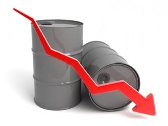 Petrolio: Il WTI affonda ai minimi da un mese