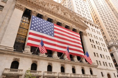Wall Street amplia i rialzi, Dow Jones +0,8%