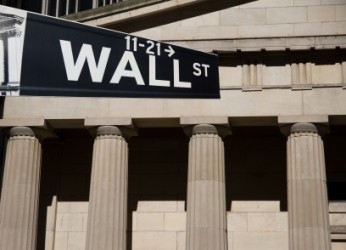 Wall Street incerta a metà seduta, Dow Jones -0,2%