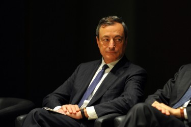 Draghi: La ripresa nell'Eurozona sta acquistando slancio