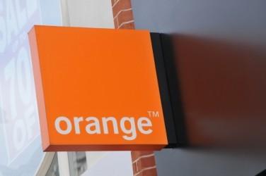 Orange studia fusione con Telecom Italia