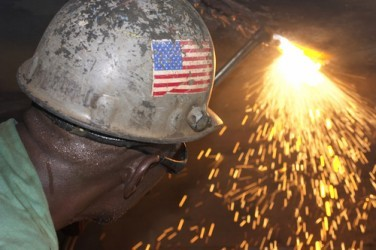 USA: L'indice ISM manifatturiero scende a febbraio a 52,9 punti