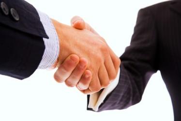 UniCredit e Santader annunciano accordo per creare leader asset management