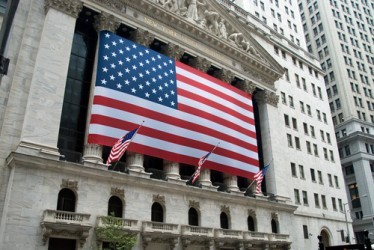 Wall Street vira in positivo, Dow Jones +0,5%