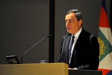 Draghi: Eurozona fa progressi, ma a rilento