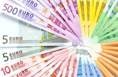 Eurozona: La massa monetaria accelera, ma i prestiti restano fermi