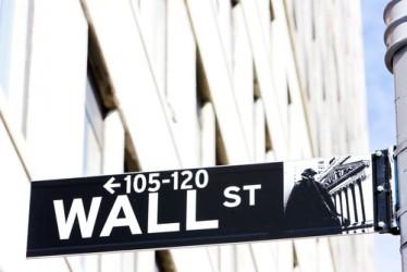 Wall Street parte poco sotto la parità