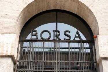 Borsa Milano chiude ancora in ribasso, vendite sul lusso