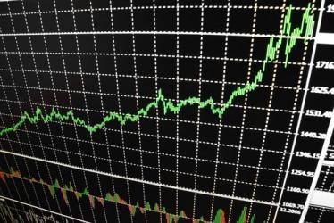 Borse europee in rialzo a metà giornata, vola Atene
