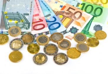 Eurozona, inflazione +0,3% a maggio, primo aumento da novembre