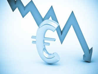 Forex: L'euro precipita sotto quota 1,12 dollari