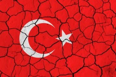 Turchia: Erdogan perde la maggioranza assoluta, lira e borsa a picco