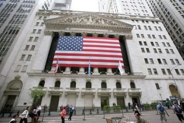 Wall Street apre in moderato rialzo, Dow Jones e Nasdaq +0,3%
