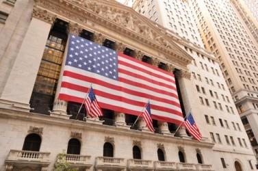 Wall Street chiude in moderato rialzo, bene i bancari
