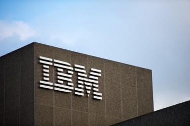 IBM, utile e ricavi in calo nel secondo trimestre