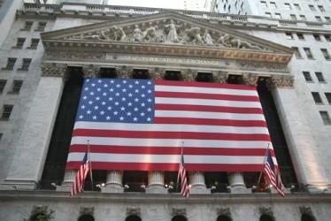 Wall Street in leggero rialzo a metà giornata
