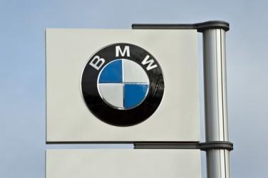 BMW, Ebit in calo nel secondo trimestre, confermati obiettivi 2015