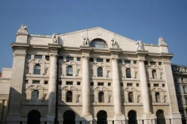 Borsa Milano apre in forte rialzo, spread a 125 punti