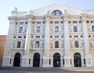 Borsa Milano positiva a metà giornata, brilla Mediolanum