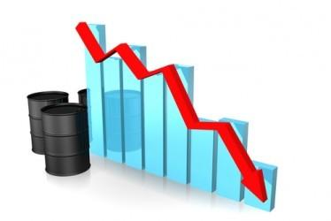 Petrolio: Prezzi ancora in calo, WTI sotto 45 dollari