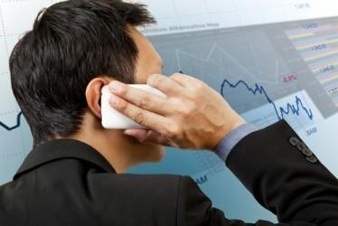 Borsa Milano scende leggermente a metà seduta