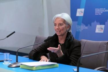 Lagarde: FMI rivedrà al ribasso le sue stime di crescita mondiale