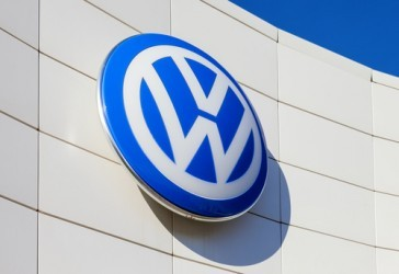 Volkswagen lancia profit warning, irregolarità in 11 milioni di veicoli