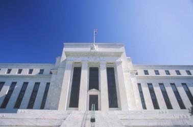 Fed: Tassi fermi dopo aumento rischi al ribasso per economia