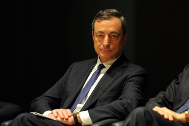 Draghi: BCE farà tutto il necessario per far risalire l'inflazione
