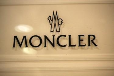 Moncler, utile e ricavi in forte crescita nei primi nove mesi del 2015