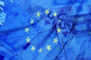 Eurozona: L'attività economica accelera meno delle attese