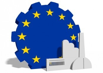 Eurozona: L'attività manifatturiera accelera a dicembre
