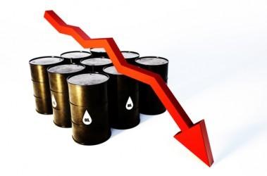 Il petrolio continua a scendere, settima seduta negativa di fila