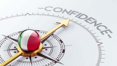 La fiducia dei consumatori italiani sale ancora, nuovi massimi storici