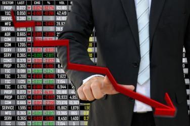 Piazza Affari affonda con le banche, Banca MPS -14,8%