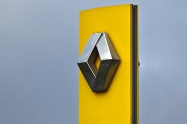 Renault crolla a Parigi, si teme nuovo scandalo emissioni