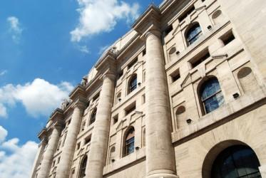Apertura in rialzo per la Borsa di Milano