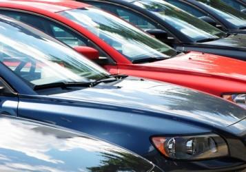Auto: Il mercato europeo rallenta all'inizio del 2015