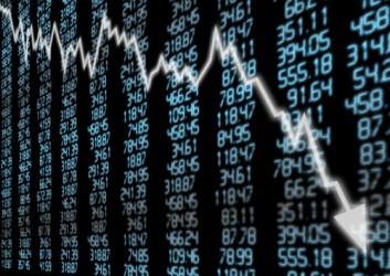 Borsa di Milano affonda sotto 18.000 punti, crolla Ferrari