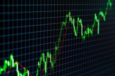 Borsa Milano estende il rimbalzo, FTSE MIB torna sopra 17.000 punti